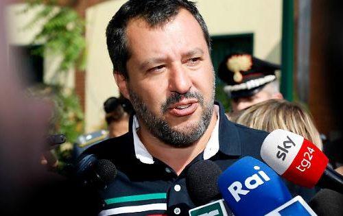 """Sgominata banda di trafficanti. Salvini: """"orgoglioso di andare a processo per caso diciotti"""""""