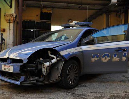 Roma, speronano una volante e feriscono due agenti. Arrestata banda di sudamericani