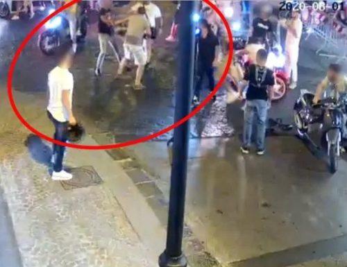 Carabiniere pestato, quattro arresti: fermato anche l'uomo che gli ha rubato il borsello