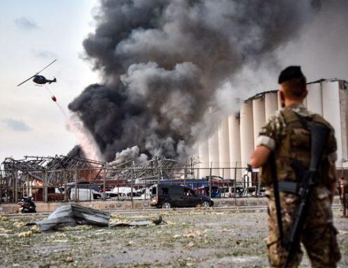 Militare italiano ferito in esplosione a Beirut. Almeno 11 morti
