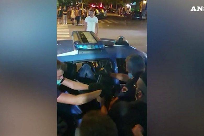 Aggredirono poliziotti a Massa: in corso misure cautelari