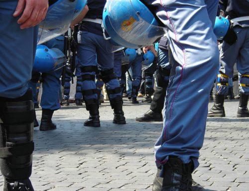 Firenze in corso esecuzioni misure cautelari per scontri contro dpcm