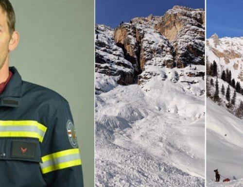 Vigile del fuoco muore travolto dalla neve