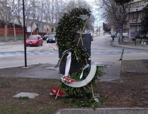 Danneggiata a Pescara corona deposta nel Giorno del Ricordo